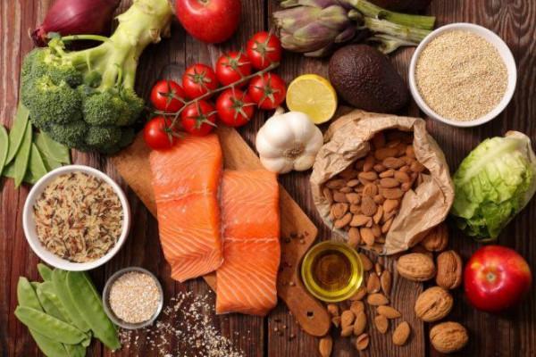 أطعمة طبيعية تقي الجسم من انسداد الشرايين وتساعد على تنظيفها