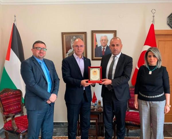 السفير مصطفى يستقبل وفدا من غرفة تجارة وصناعة القدس