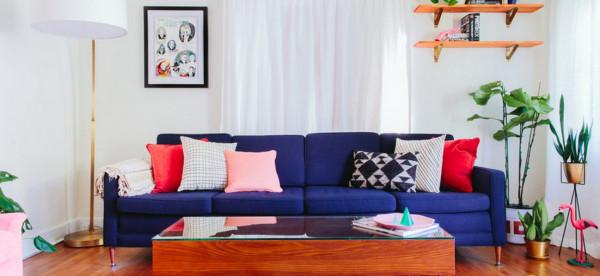 في الصيف.. 4 نصائح لتجديد غرفة المعيشة بألوان ساخنة