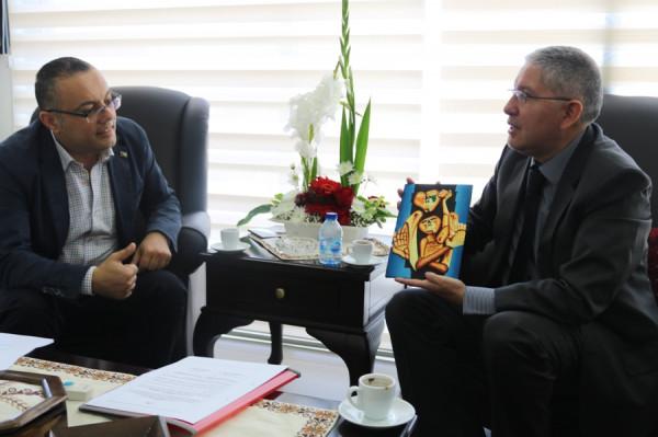 وزير الثقافة يبحث مع السفير الإكوادوري آفاق التعاون المشترك