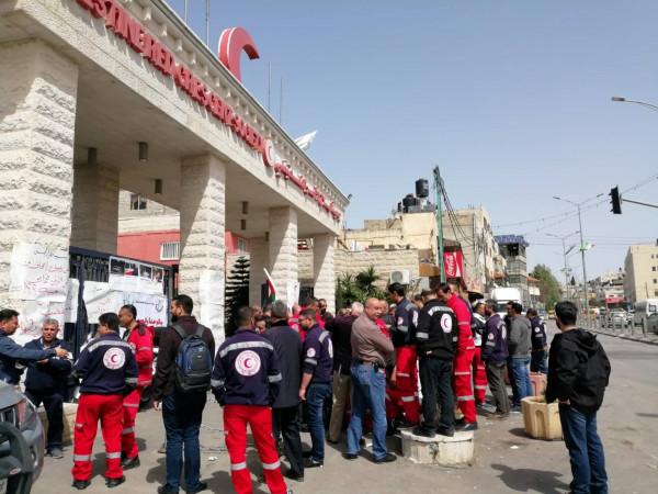 شاهر سعد لموظفي الهلال الأحمر: نحن معكم حتى تستجيب إدارتكم لمطالبكم العادلة