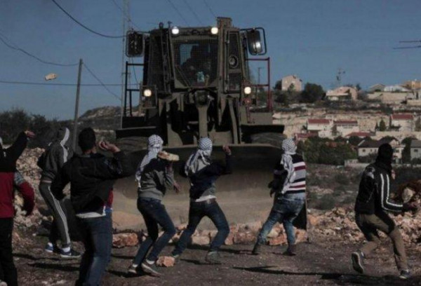 اصابة شاب بقنبلة غاز بالظهر خلال قمع جيش الاحتلال لمسيرة كفر قدوم