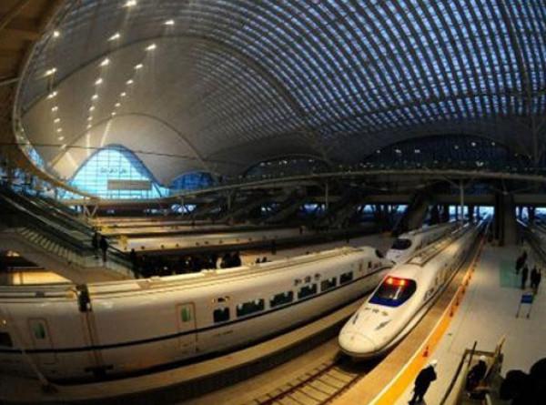 قرض بقيمة أربعة مليارات دولار لأول مشروع خاص للقطارات فائقة السرعة بالصين