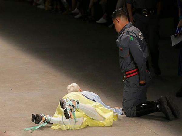 لحظة وفاة عارض أزياء برازيلي خلال عرض أسبوع الموضة