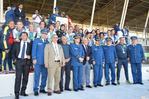 المدير العام للأمن الوطني يهنئ فريق كرة القدم للأمن الوطني سيدات