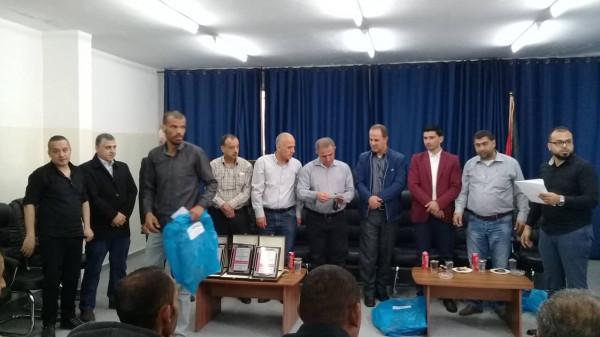 تكريم عمال النظافة في وكالة الغوث في مخيم بلاطة