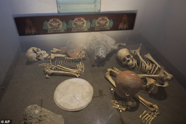 حقيقة مرعبة حول مقبرة لضحايا آكلي لحوم البشر في عصر جماعة أزتيك