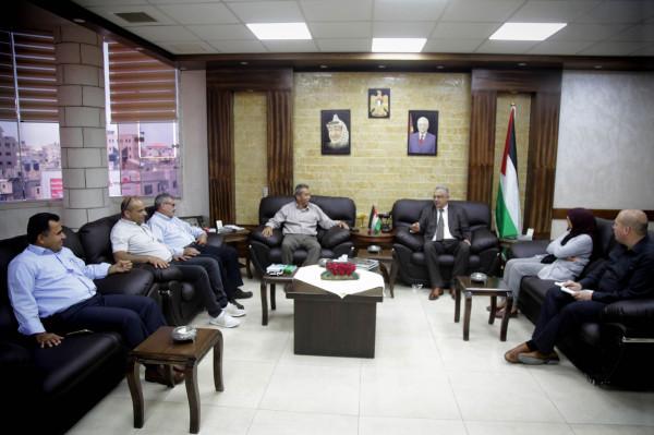 أبو بكر يستقبل وفداً من جمعية السباط للحفاظ على الثقافة والتراث الفلسطيني