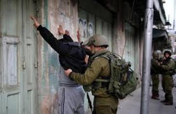 قوات الاحتلال تعتقل شقيقين جنوب بيت لحم