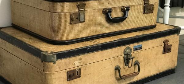 أفكار مبتكرة لصنع طاولات من الحقائب