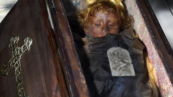مدينة الموت.. سردابها يحتوي على 8000 جثة