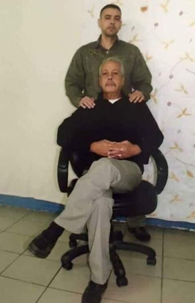 الحركة الأسيرة في سجن نفحة يعزون الأسير ثائر كايد حماد بوفاة والده