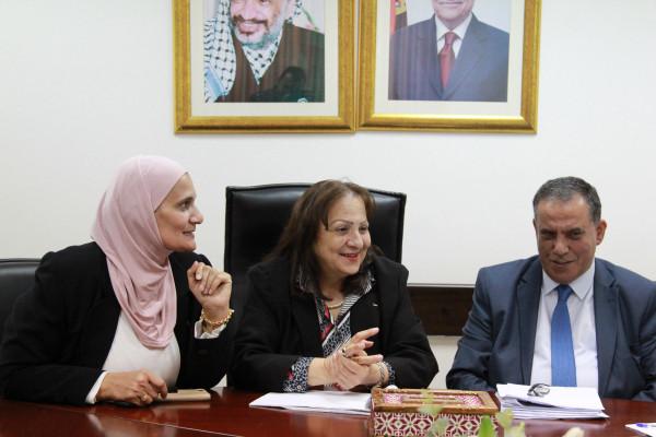 وزيرة الصحة تبحث مع إقليم جنين الاحتياجات الصحية للمحافظة