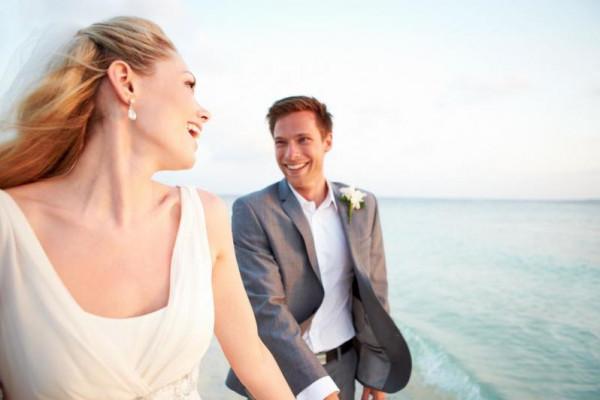 لماذا عليكِ استخدام لغة الجسد يوم زفافِك؟