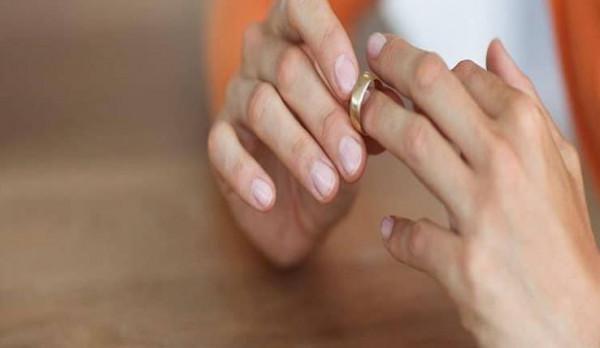 مصرية طلبت الخلع بعد تسع ساعات من زفافها لسبب غريب