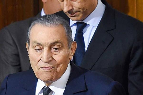 مبارك يكشف تفاصيل مفاوضات السلام بين سوريا وإسرائيل والشخصية التي منعته