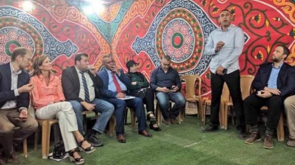 حملة المقاطعة تُطالب بمحاسبة المتورطين بالإفطار التطبيعي في الخليل