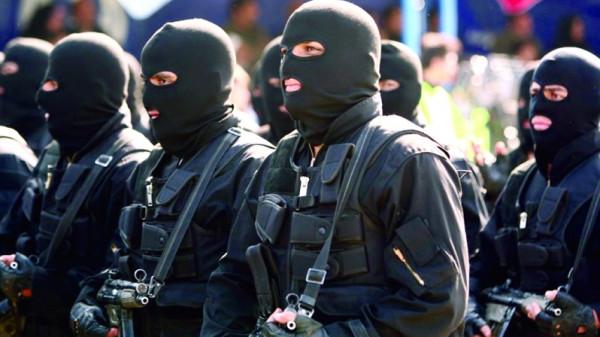 الحرس الثوري الإيراني: نحن على شفا مواجهة شاملة مع العدو