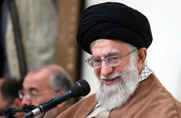 خامنئي: تخصيب اليورانيوم لصنع الأسلحة النووية ليس صعباً على إيران