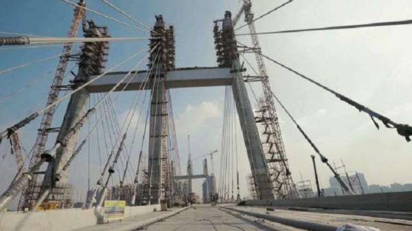 شاهد: مصر تُدشّن أعرض جسر مُعلق في العالم وتُحطم أرقام (غينيس)
