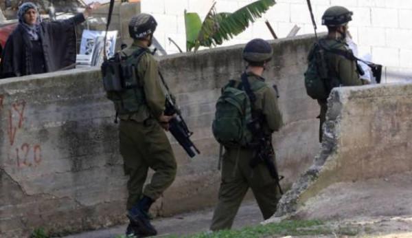 الاحتلال يعتقل أربعة شبان شمال رام الله