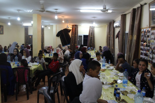الاسراء تنظم افطارا رمضانيا باريحا