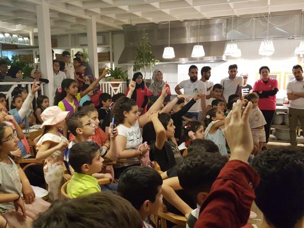 افطار رمضاني لأطفال زيتونة في مطعم طاولة بصيدا
