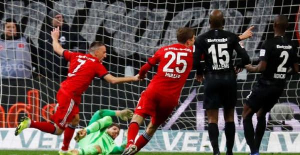 بايرن ميونيخ يتوج بطلاً للدوري الألماني للمرة السابعة على التوالي