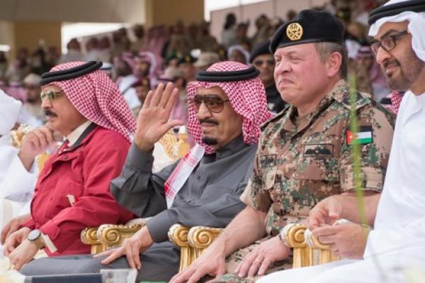 بسبب التصعيد بالخليج.. الملك سلمان يدعو لعقد قمتين عربية وخليجية في مكة