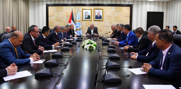 اشتية: الاقتصاد الفلسطيني مقبل على مرحلة من الصعوبات ستمتد لثلاثة أشهر