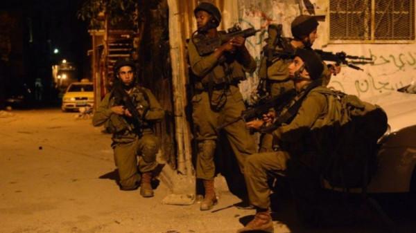 الاحتلال يشن حملة اعتقالات ومداهمات في الضفة