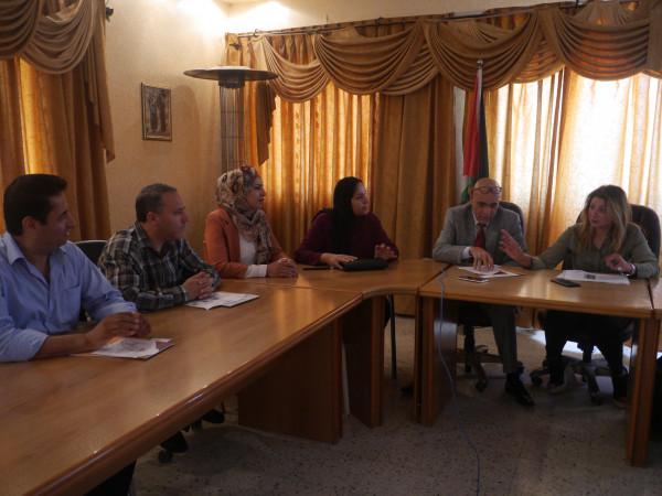 جلسة تدريب فردي حول ميثاق النوع الاجتماعي في بلدية بيت أمر