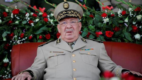 قايد صالح يصر على إجراء انتخابات الرئاسة الجزائرية في موعدها