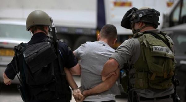 الاحتلال يعتقل مواطنا شمال الخليل