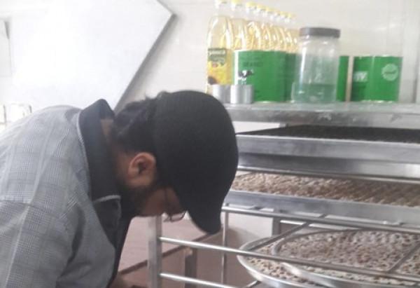 حماية المستهلك بغزة تُجري جولات على معامل ومصانع الحلويات