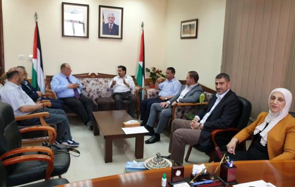 أبو مويس يلتقي اللجنة الحركية للوزارات والهيئات الحكومية