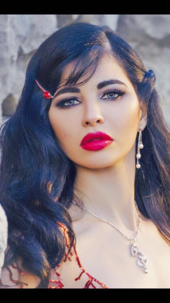 ياسمين نيار ومشروع و محمد عادل امام