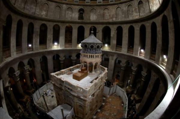 """ترحيب مسيحي فلسطيني بتعهد الملك عبدالله استكمال ترميم كنيسة """"القبر المقدس"""""""