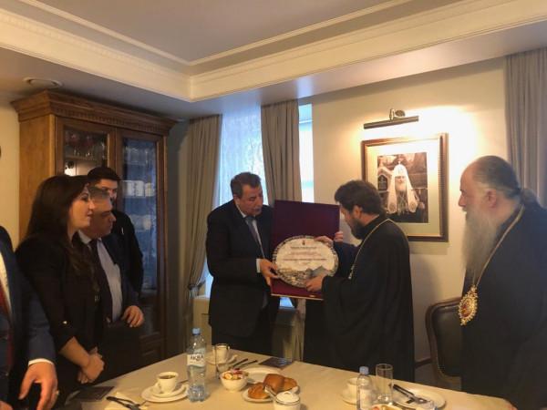 وفد فلسطيني برئاسة خوري يلتقي البطريارك المطران هيلاريون في موسكو