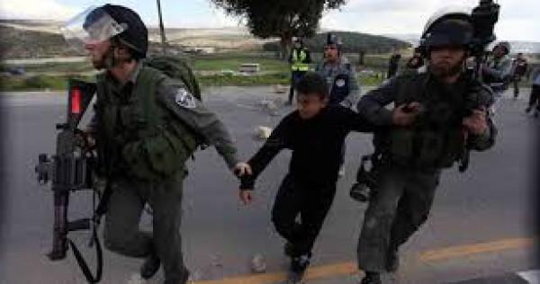 إصابة طفل بكسور إثر تعرضه لاعتداء قوات الاحتلال في الخليل