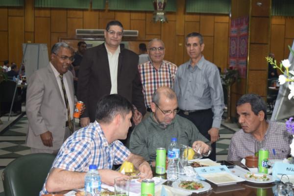حفل إفطار جماعي للعاملين بــ ''شركة الوجه القبلي لإنتاج الكهرباء ''