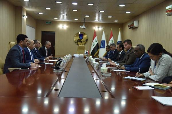 رئيس واعضاء مجلس المفوضين في مفوضية الانتخابات يلتقون وفد اعضاء مجلس النواب