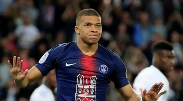 """بعد تلميحات الرحيل.. مدرب باريس يطالب مبابي بـ """"الصمت"""""""