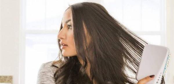 حيلة لضبط الشعر ومنع تشابكه بعد التسريح.. إليكِ الطريقة السحرية