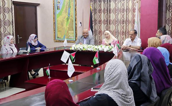 جامعة فلسطين تستقبل وزيرة شؤون المرأة آمال حمد