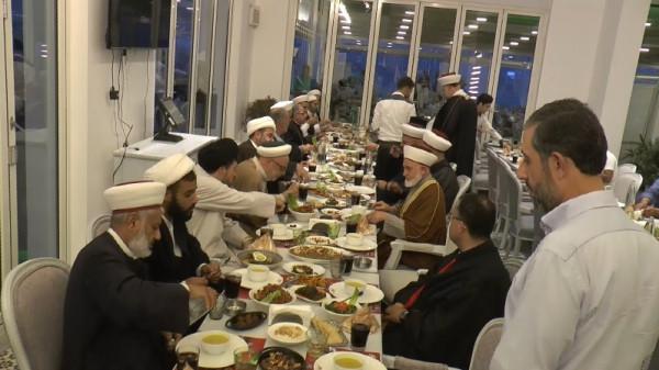 حزب الله يقيم إفطاراً رمضانياً للفعاليات الدينية والروحية في مدينة صور