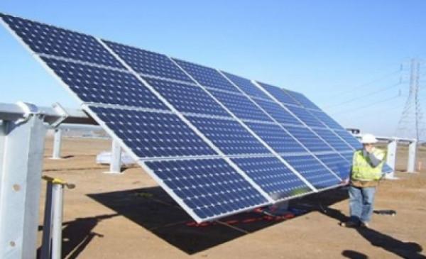 20 ألف خلية في النويعمة لتوليد 7.5 واط من الكهرباء كأكبر مشروع للطاقة بفلسطين