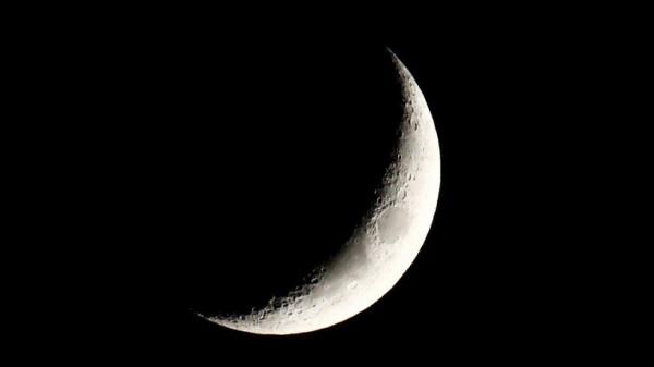 جدل حول هلال شوال.. ومركز الفلك الدولي يُحدد أول أيام العيد