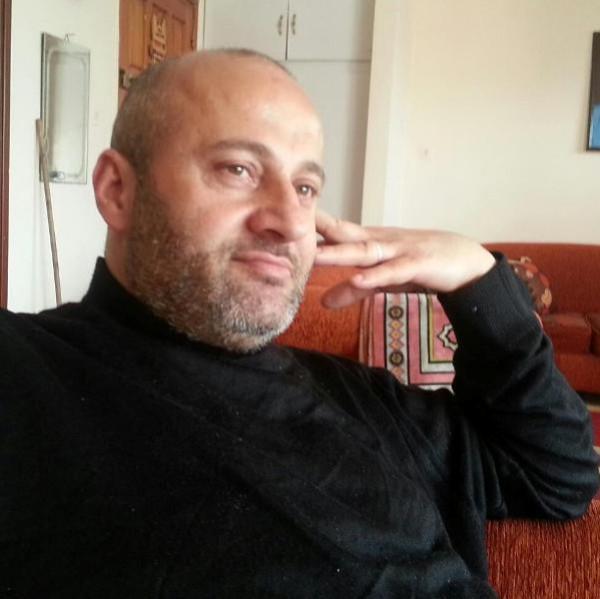 باحث مبعد إلى غزة يحصل على الماجستير مع مرتبه الشرف بالعلوم السياسية