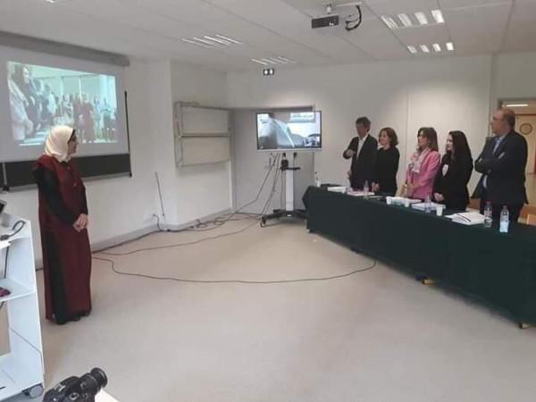 الطبيبة الفلسطينية آمال أبو جامع تحصل على درجة الدكتوراة من جامعة فرنسية